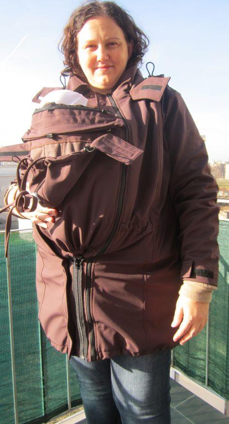 Tavaszi őszi hordozós ruházat: poncsó, polárkabát, elegáns